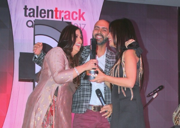 Talent Track Award 2017 | Richa Sharma Best Singer | Nakuul Mehta Best Actor