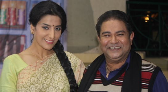 Shruti Sharma   Nirmala in Mere Angane Mein   Images   Nirmala with Ashok   Mere Angane Mein Spoilers