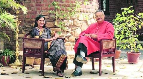 Siddharth Kak and Renuka Shahane in Hunnarbaaz Hunnar Bazz Mission Skill India 2