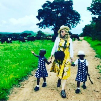Madonna confirms the Adoption of two twins from Malawi