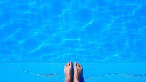 hongos en la piscina