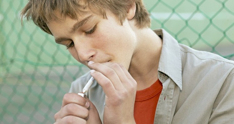 help smoking teen