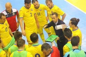 Meciul amical de futsal dintre nationala Romaniei si cea a Serbiei disputat la Sala Constantin Jude din Timisoara, joi 26 noiembrie 2015. SEBASTIAN TATARU / MEDIAFAXFOTO