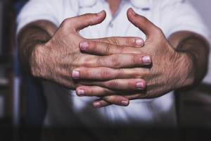 Scientists Explain Why Knuckle Cracking Makes That Awful Sound