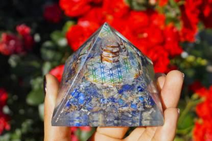 Orgonit Pyramide - gegen G5 Strahlen
