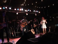Drew Holcomb and the Neighbors by Rachid Aadnani