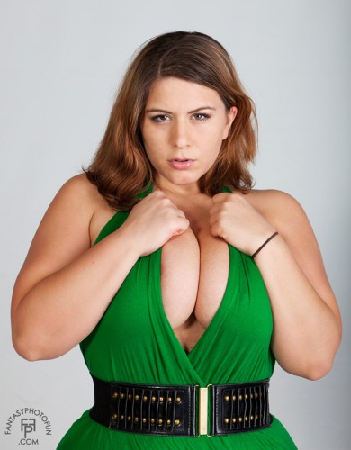 london andrews in a green dress 390x500 london andrews in a green dress