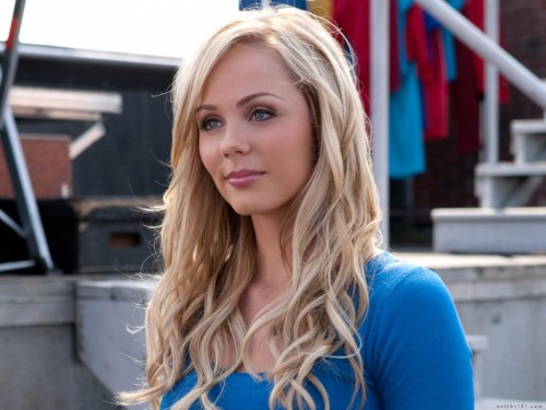 Laura Vandervoort Wallpaper 500x375 Laura Vandervoort Wallpaper