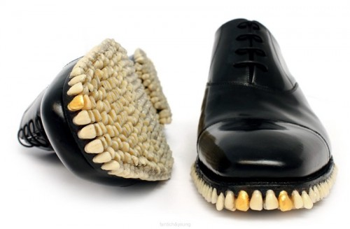 toothy shoes 500x327 toothy shoes
