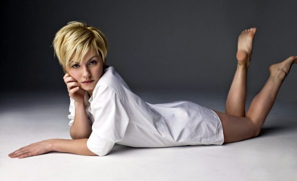 Elisha Cuthbert in a white top with her feet out 1024x622 Elisha Cuthbert in a white top with her feet out