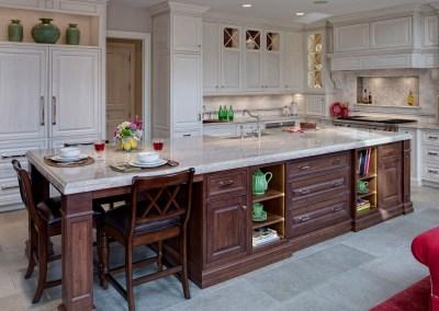 Classic Traditional Burr Ridge Kitchen Design