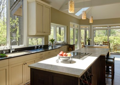 Long on Looks Traditional Kitchen Design – Wheaton