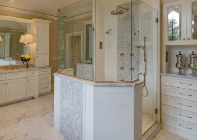 Luxurious Master Bath Design – Barrington Hills