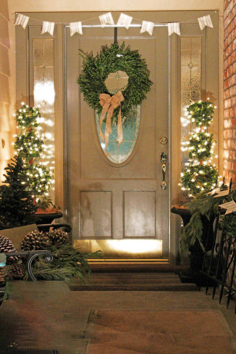 Door Decoration For Christmas 9