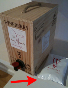 wineberry box Wineberry, the box wine in a wood crate