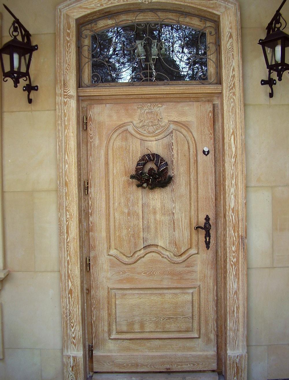 drzwi-wejsciowe-zdobione-debowe-min