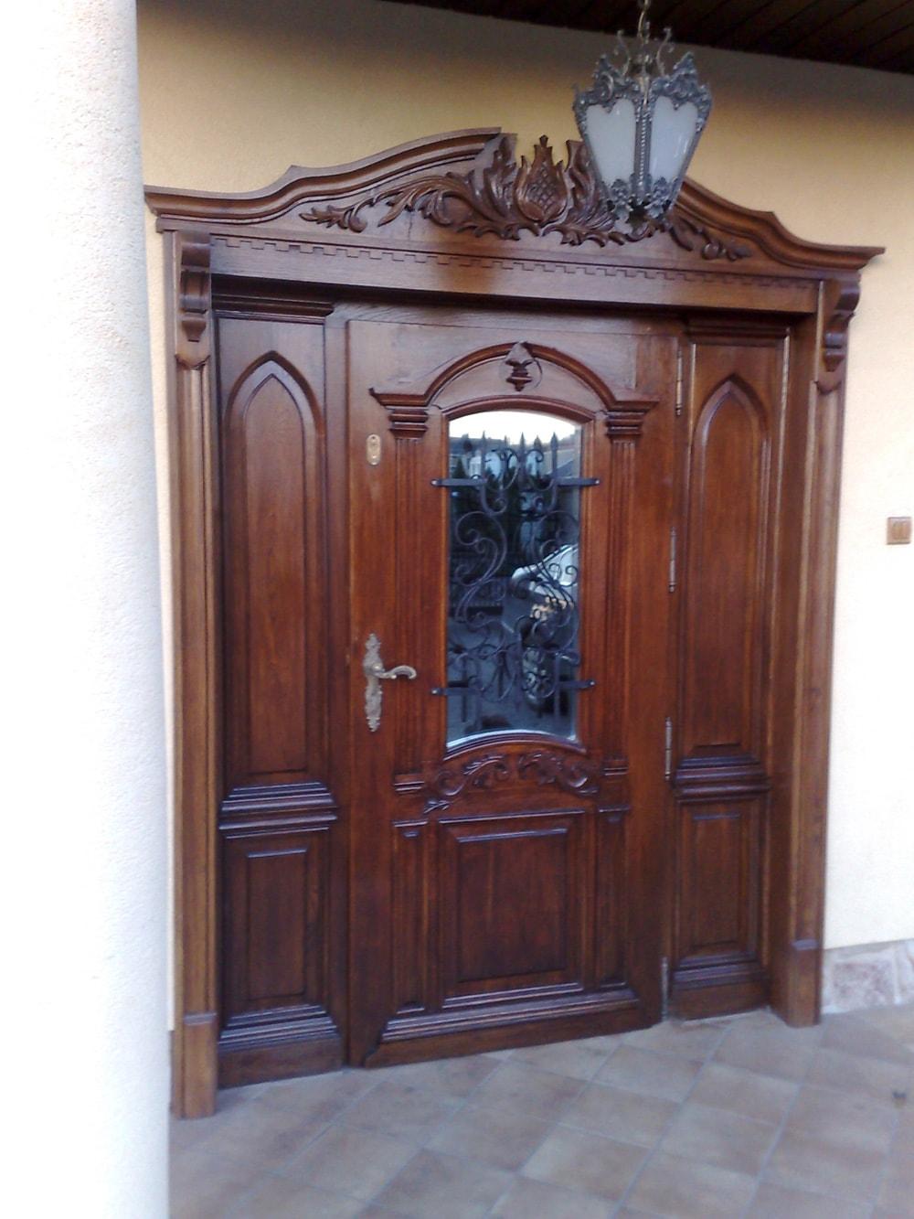 drzwi-wejsciowe-zdobione-na-wymiar-min