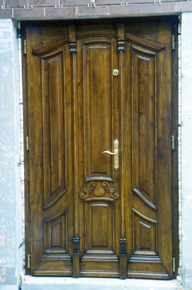 Drzwi zewnetrzne recznie wykonane