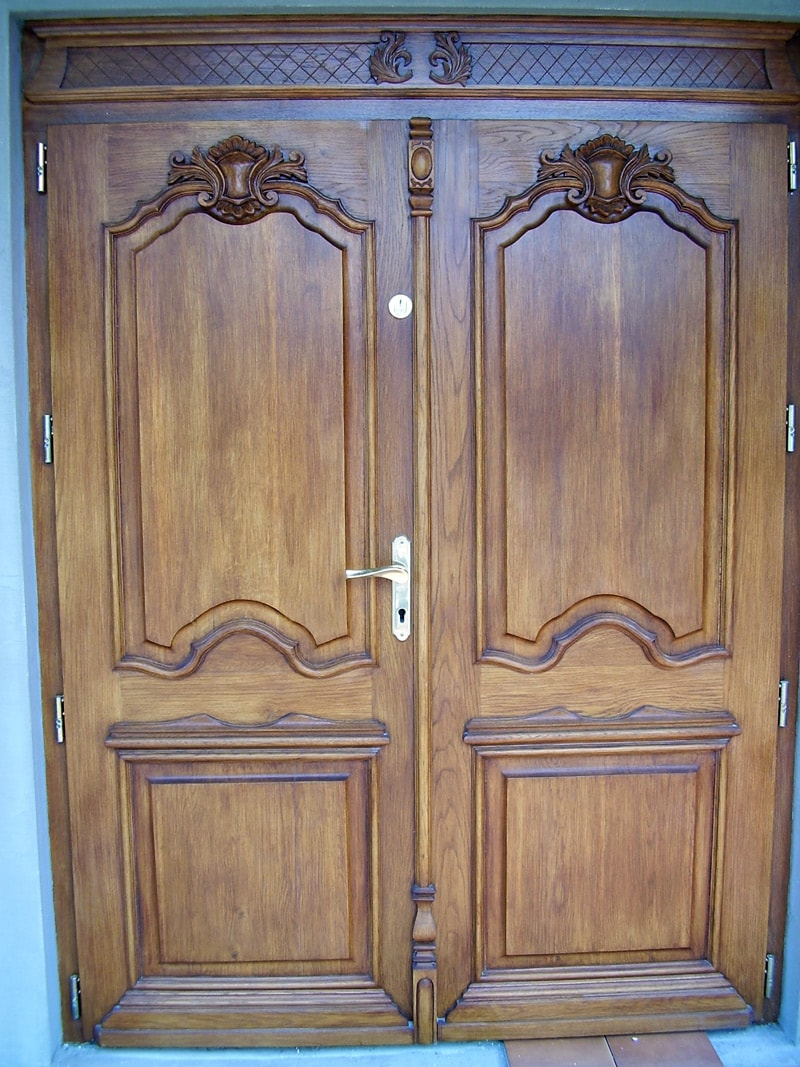 Drzwi zewnętrzne dębowe z rzeźbieniem