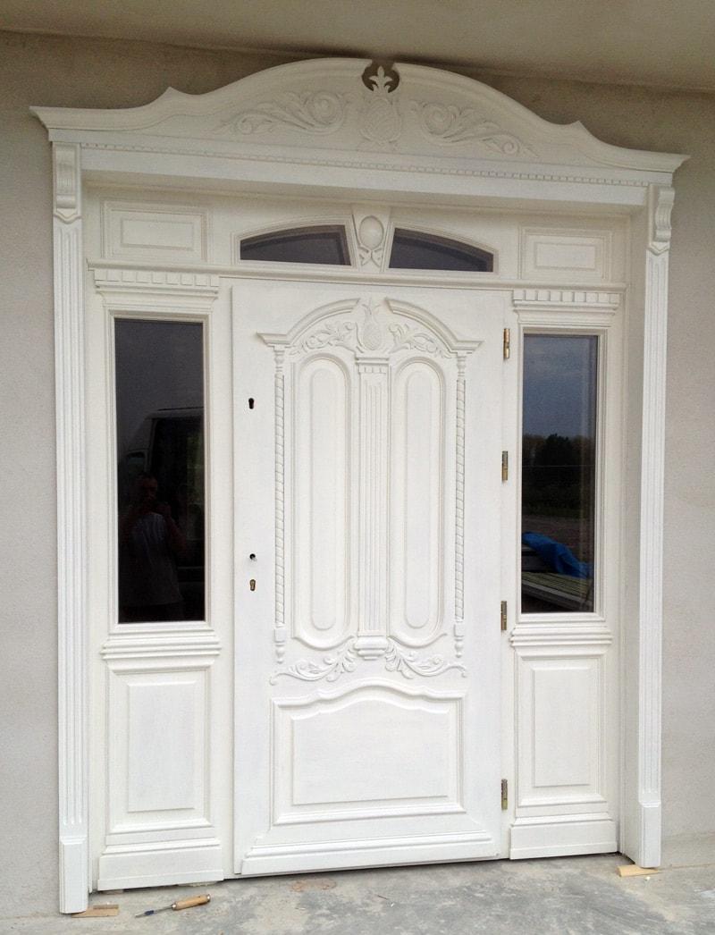 Drzwi zewnętrzne dębowe ręcznie wykonane – białe