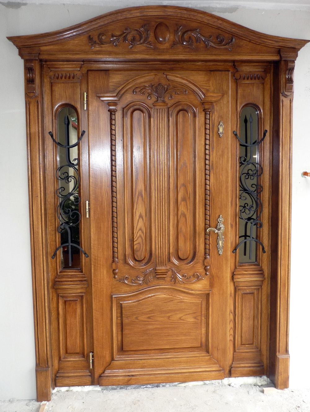 Drzwi zewnętrzne dębowe z przeszkleniami