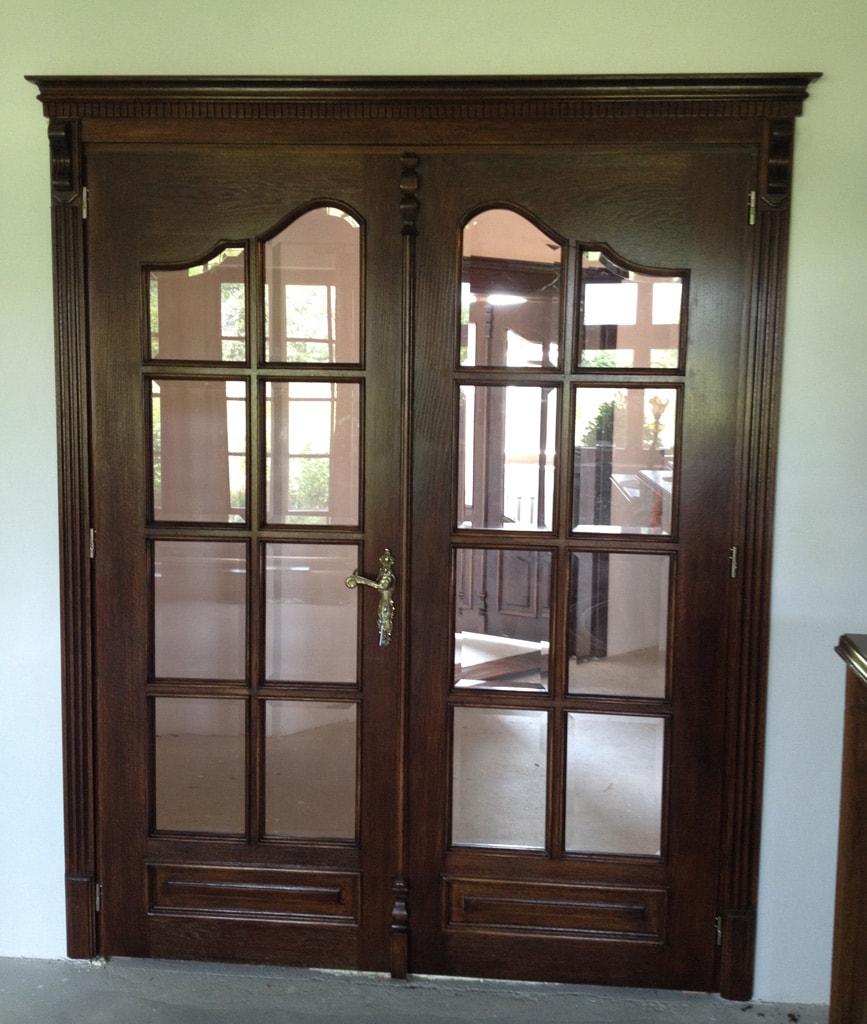 drzwi-zewnetrzne-dwuskrzydlowe-z-przeszkleniami-min