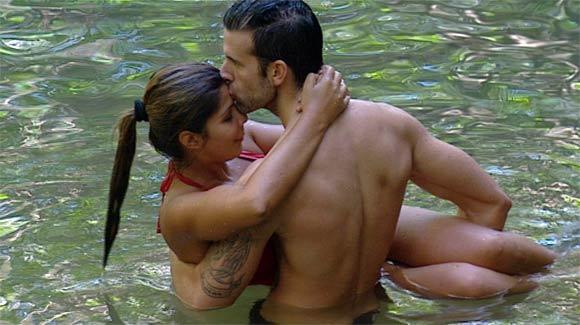 Indira und Jay turtel im Dschungelteich