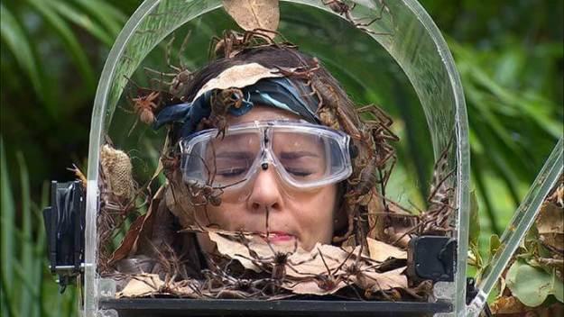 Dschungelkönigin Tschenny mit T die Verfressene