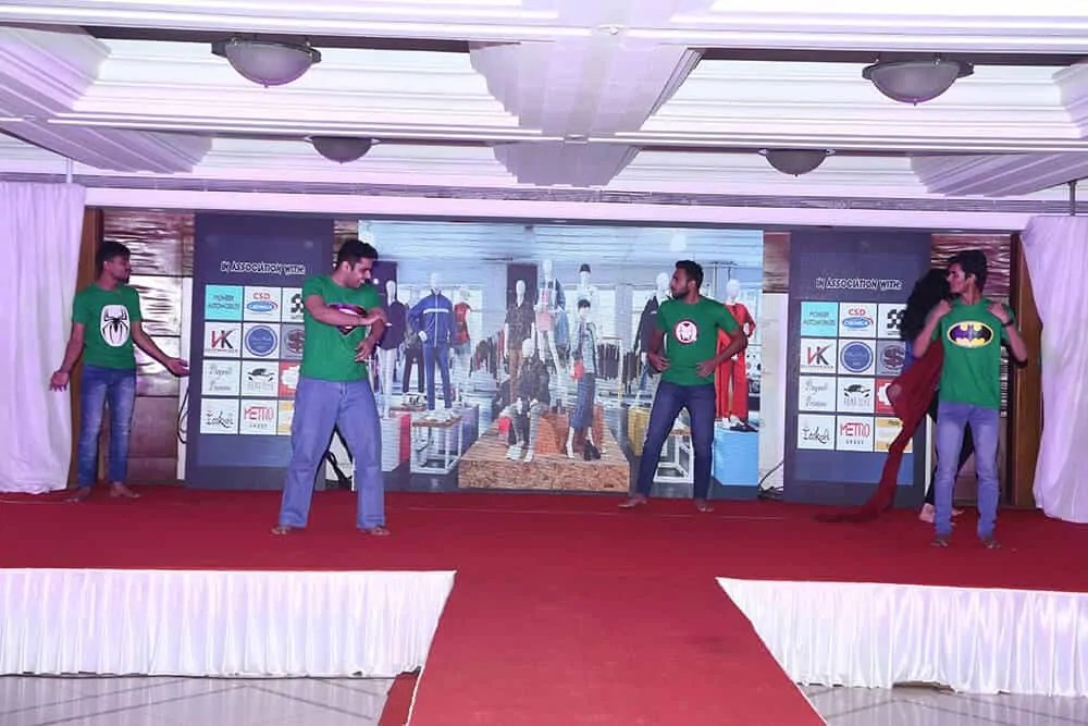 Dance performance in gathering