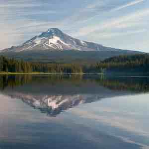 Morning on Trillium Lake