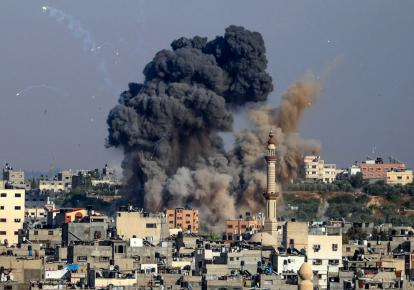 Клуби диму від ізраїльських повітряних ударів по сектору Газа