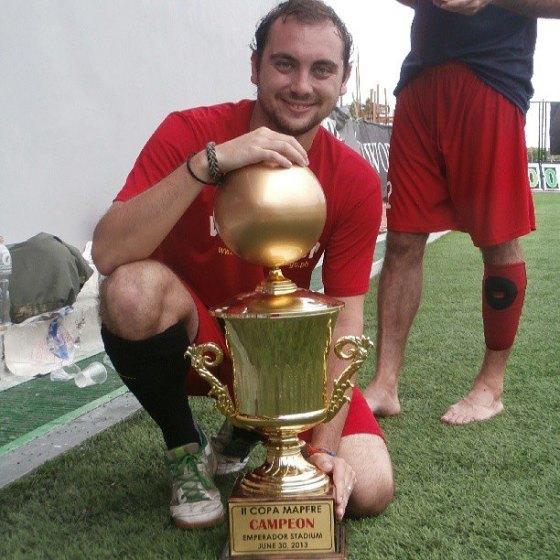 10 - Ganador de la II Copa Mapfre representando a la Roja de Manila. Este partido me ayudó después para la ayuda que hice en Batangas.