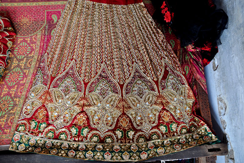 Dsource Design Gallery on Zardozi Embroidery of Allahabad  The Art of Decorating Cloth  D