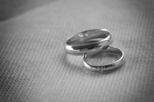 Mariage d'Etienne et Brigitte : les alliances