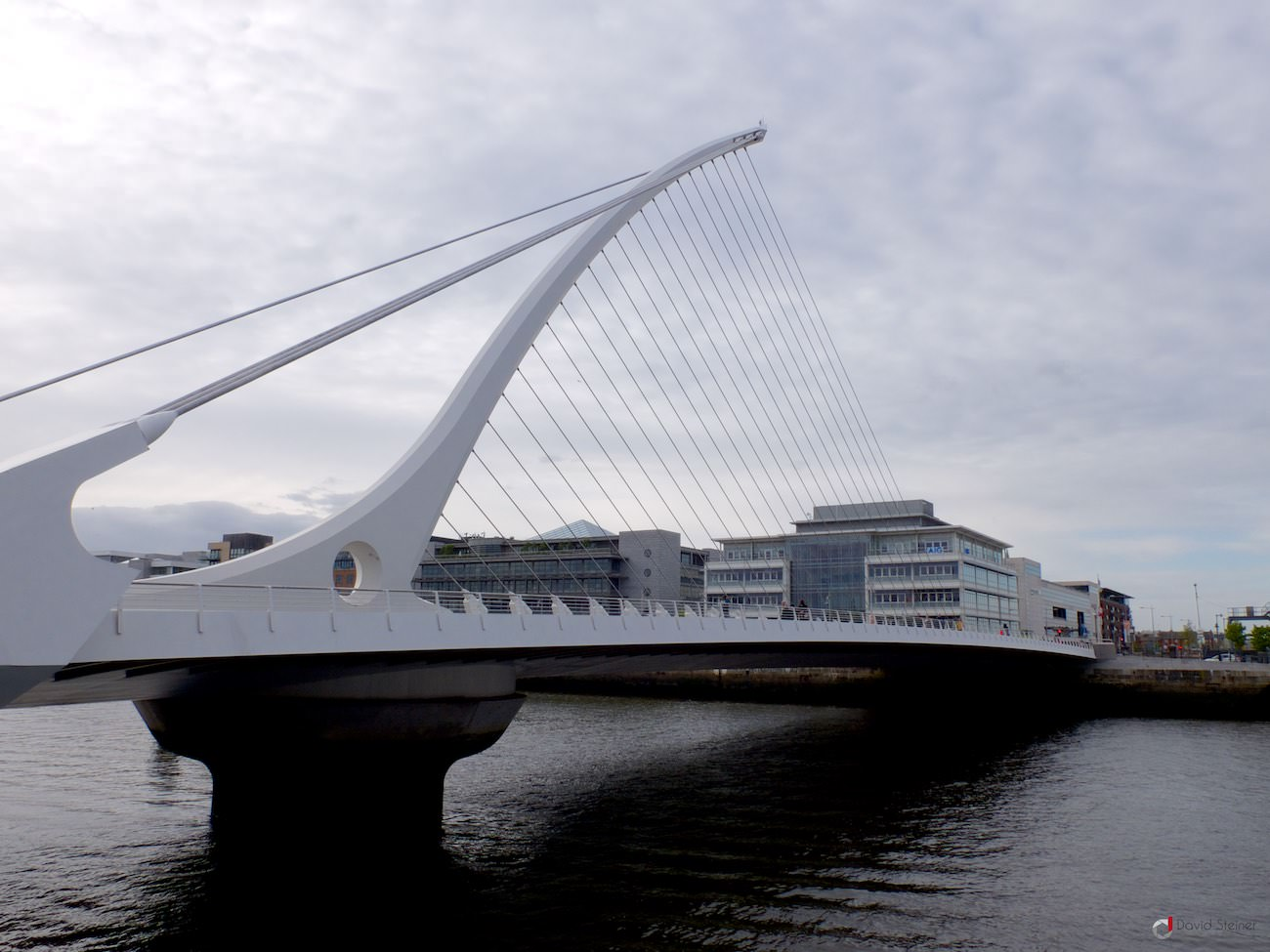 #05 Samuel Beckett bridge