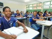 Cerca de 850 mil alunos mantém rotina escolar