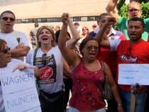 Professores deixam pacificamente Assembleia Legislativa