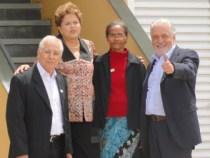 Dilma entrega 1740 casas em Vitória da Conquista