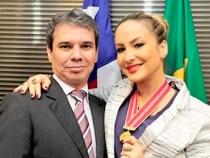 Ministério Público condecora Cláudia Leitte