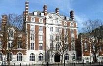Academia de Música de Londres oferece bolsas e estágio