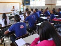 Estudantes da rede estadual retornam às aulas