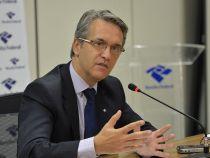 Receita intima 80 mil contribuintes suspeitos de fraudar declarações