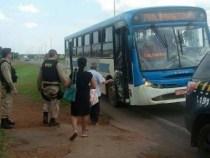 Ônibus não para pra idosos. PRF faz motorista voltar