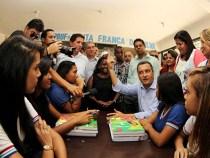 Rui Costa visitou 140 escolas de 82 municípios em 2015