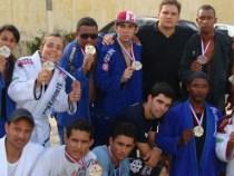Trabalho da PM: Mais de 100 crianças graduadas em jiu jitsu