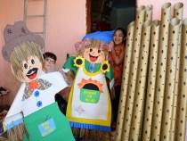 Moradores mantêm tradição junina de ornamentação de ruas