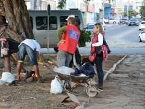 Pessoas em situação de rua recebem assistência em Conquista