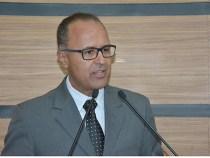 Valdemir Dias faz indicações de construção de escolas