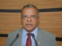 Gilmar intermedia negociação entre Herzem e servidores