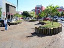 Jardins suspensos na praça Barão do Rio Branco